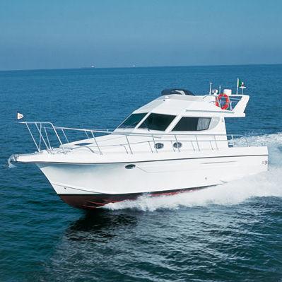 inboard express cruiser / flybridge / sport-fishing / 12-person max.