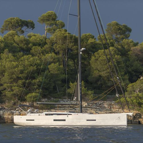 cruising sailing yacht / open transom / fiberglass / with 3 or 4 cabins