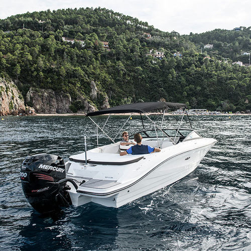 outboard runabout / dual-console / bowrider / ski