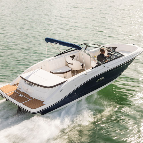 inboard runabout / dual-console / bowrider / sport-fishing