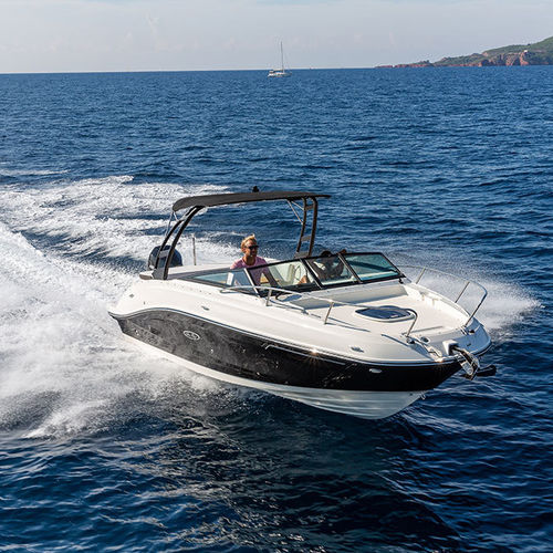 outboard runabout / dual-console / sport / ski