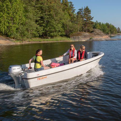 outboard small boat / open / sport-fishing / 5-person max.