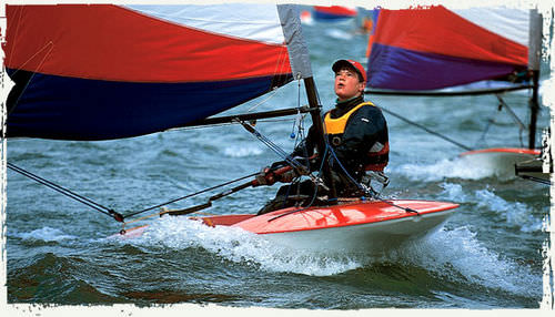 single-handed sailing dinghy / recreational / regatta / instructional