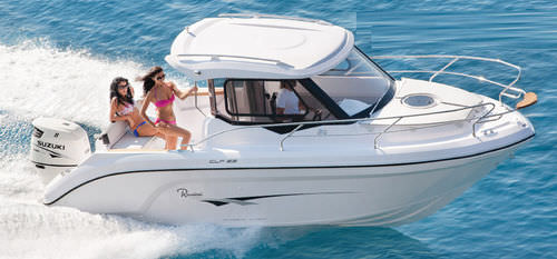 outboard cabin cruiser / hard-top / with enclosed cockpit / sport-fishing