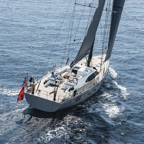 cruising sailing yacht / regatta / deck saloon / 5-cabin