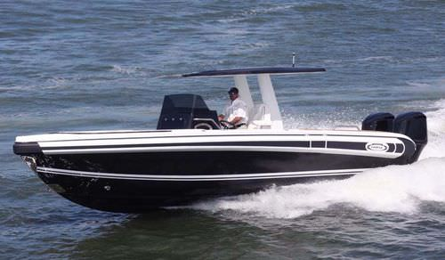 outboard center console boat / diesel / twin-engine / center console