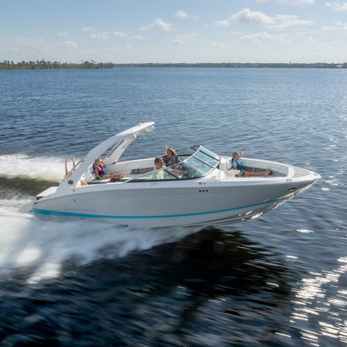 inboard runabout / dual-console / bowrider / sport