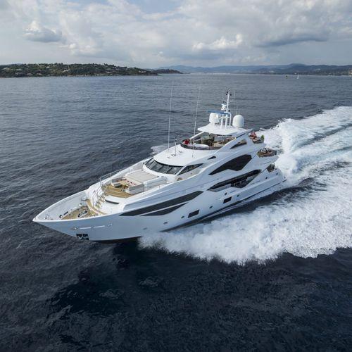 cruising super-yacht - Sunseeker