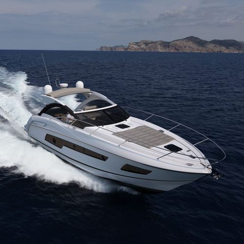 inboard express cruiser / displacement hull / soft-top / 2-cabin