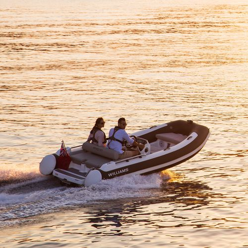 inboard inflatable boat / side console / sport / hydro-jet