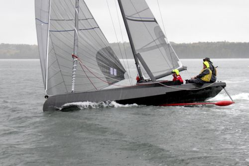monohull / racing / open transom / canting keel
