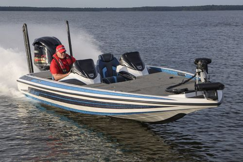 outboard bass boat / dual-console / sport-fishing