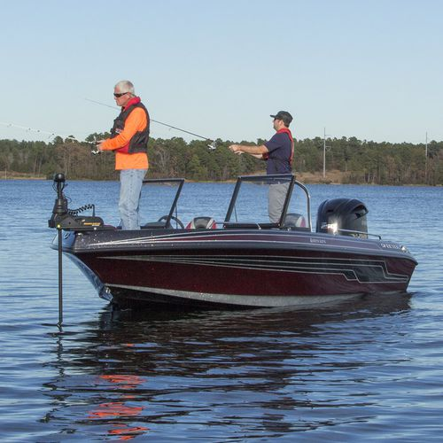 outboard bass boat / center console / sport-fishing
