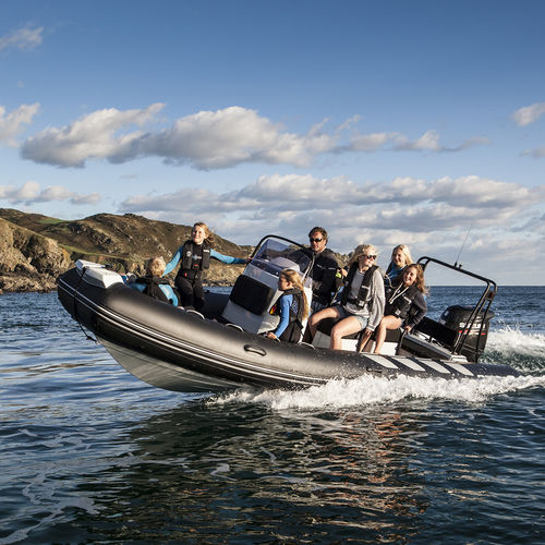 outboard inflatable boat / rigid / side console / with jockey console
