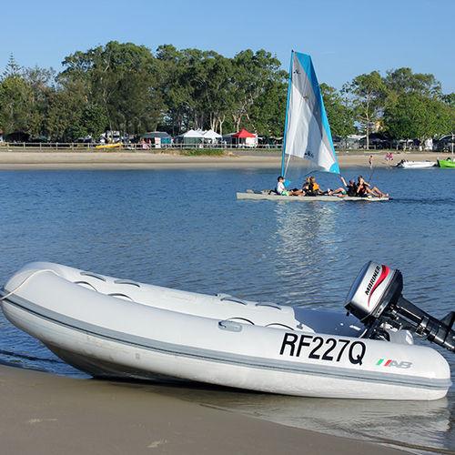 outboard inflatable boat / rigid / aluminum / 5-person max.