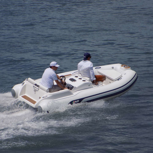 inboard inflatable boat / rigid / side console / 6-person max.
