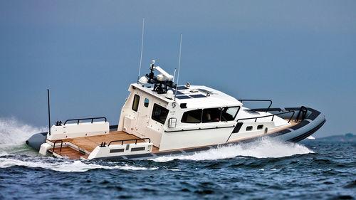 utility boat professional boat