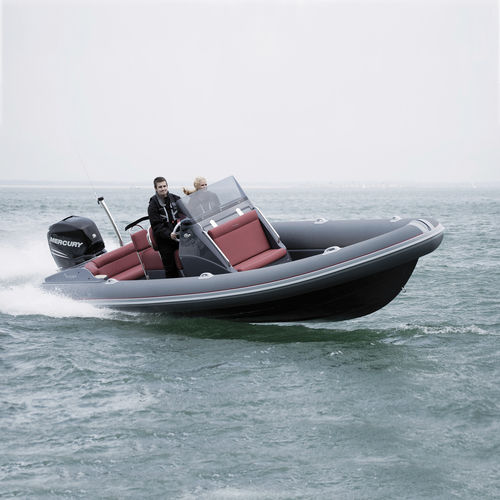 outboard inflatable boat / rigid / center console