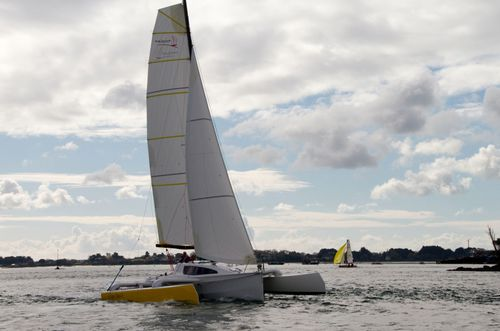 trimaran / cruising / open transom / 6-berth