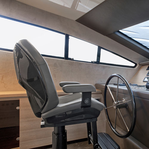 helm seat / for boats / for yachts / high-back