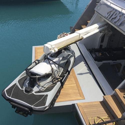 yacht davit / hydraulic / retractable / telescopic