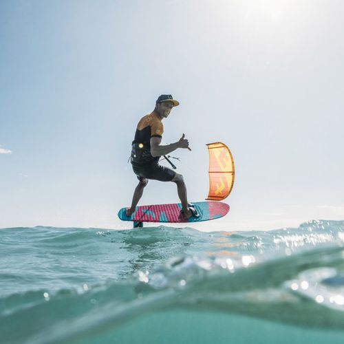 hydrofoil kiteboard