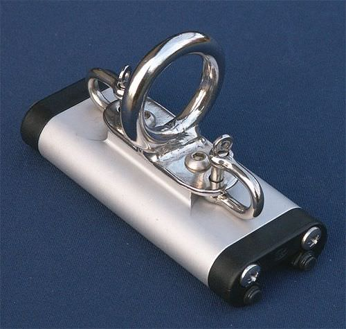 spinnaker pole car with shackle / with ring