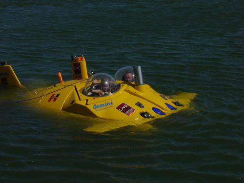 private submarine