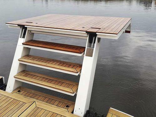 yacht platform / swim
