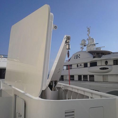 yacht davit