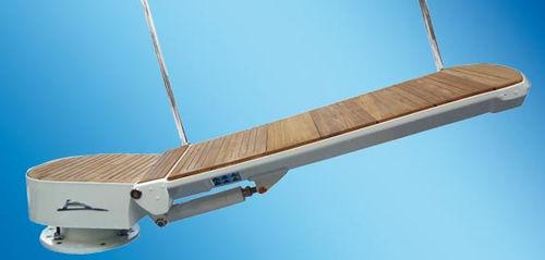 boat gangway / rotating / hydraulic / aluminum