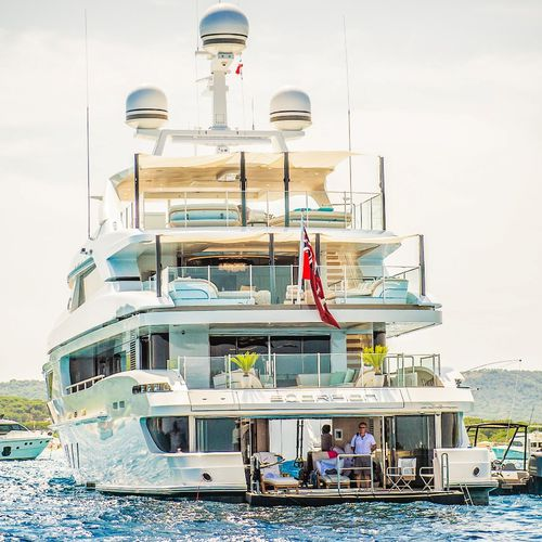 cruising mega-yacht / raised pilothouse / steel