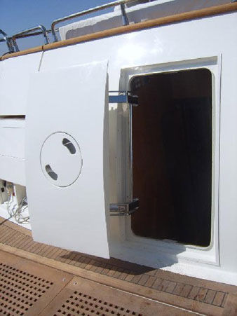boat door / for yachts / pantograph / weathertight