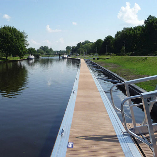 floating dock / mooring / for marinas / aluminum