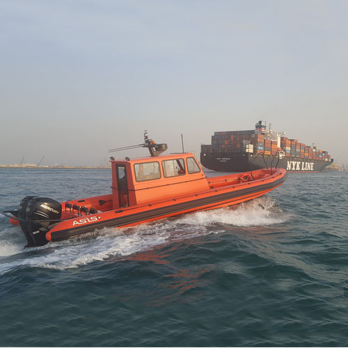 outboard inflatable boat / twin-engine / RHIB / with enclosed cockpit