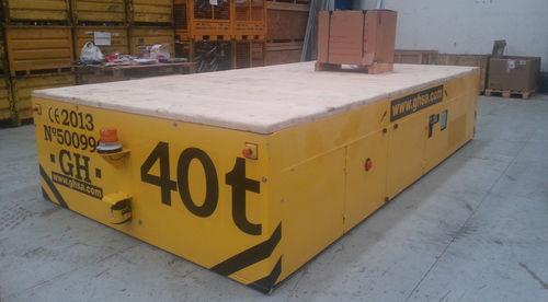 handling trailer / shipyard
