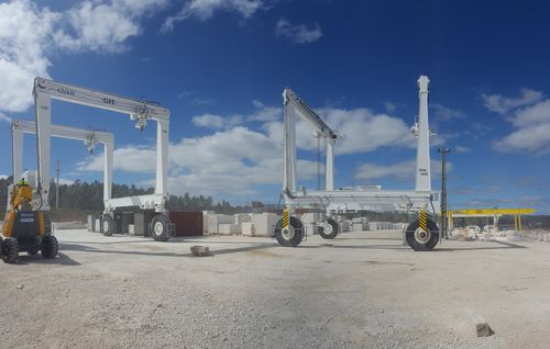 heavy load crane / rubber-tired / articulated / gantry