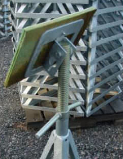 boat boat stand / adjustable / galvanized