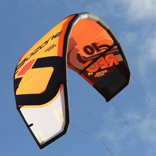 C-shape kitesurf kite / wave