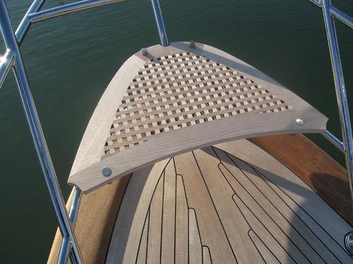 bow duckboard