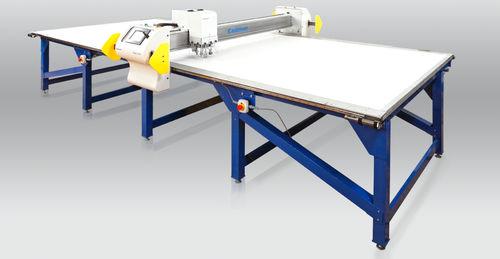 CNC cutting table / shipyard