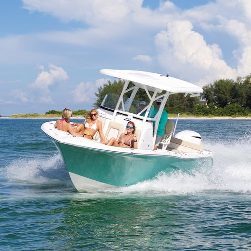 outboard center console boat / open / side console / sport-fishing