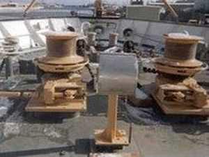 ship windlass / vertical / hydraulic / single-drum
