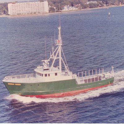 longliner fishing-vessel