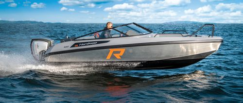 outboard runabout