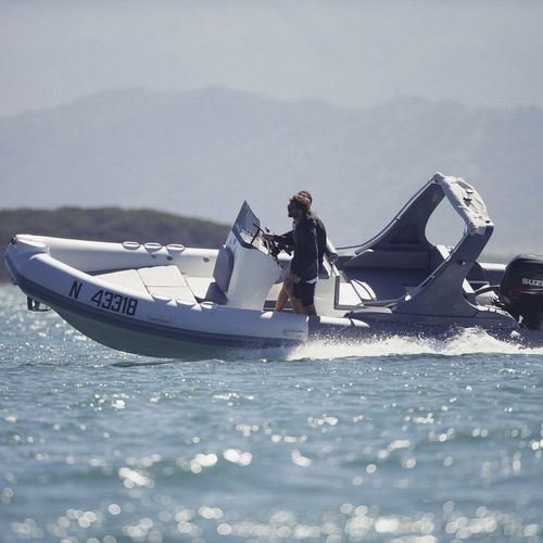 outboard inflatable boat / rigid / center console / sport