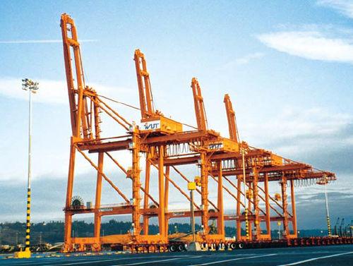 post-Panamax container gantry crane