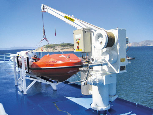 ship davit / for rescue boats / hydraulic / rotating
