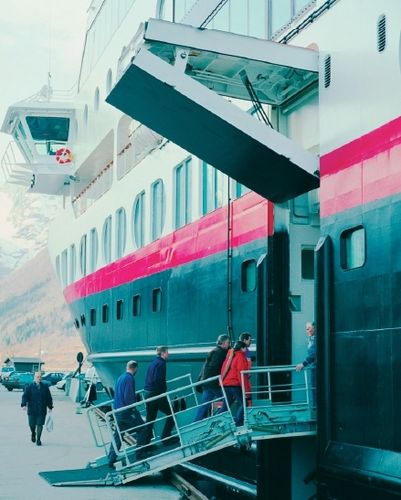 cruise ship gangway