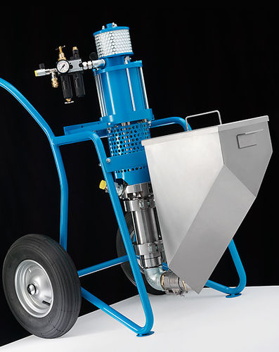 resin spraying machine / shipyard